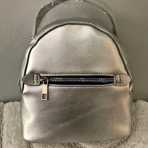 Mini backpack /  NWT 🔥 🎒